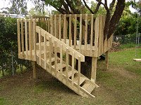 Treehouse Plan : Make the Handrail Down the Steps of the Treehouse