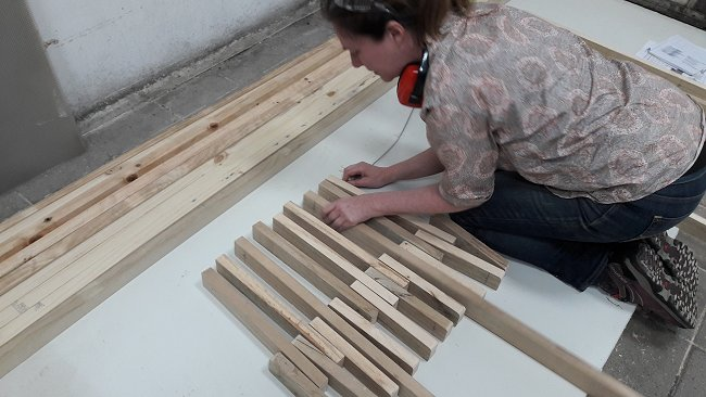 Folding Stick Chair Plan : Seat Pieces in Alignment with Wire Threaded