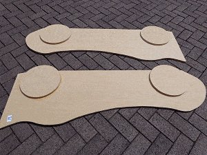 Kid's Racing Car Bed :  Fix the Wheels to the Side Panels
