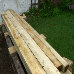 Extendable Picnic Table : Stack the Wood