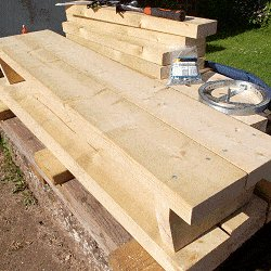 Extendable Picnic Table : Fix the Seat-Top Board in Place