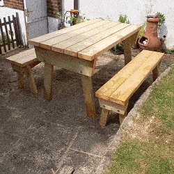 Extendable Picnic Table : Finished Table Without Extensions