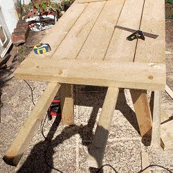 Extendable Picnic Table : Commence the Extension