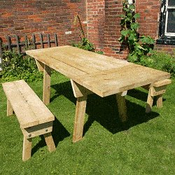 Extendable Picnic Table : Table Finished