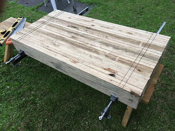 Interlocking Garden Bed Box : Cut the Boards and Mark the Trenches
