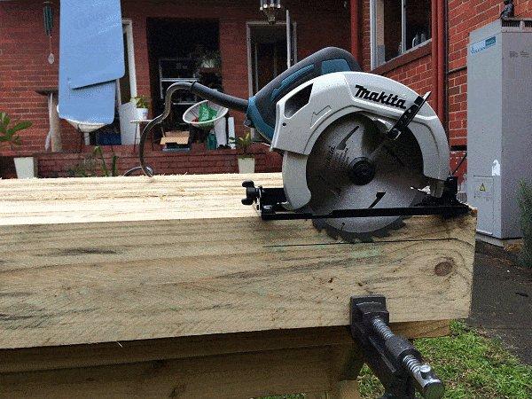 Interlocking Garden Bed Box :Set the Depht of the Power Saw Blade