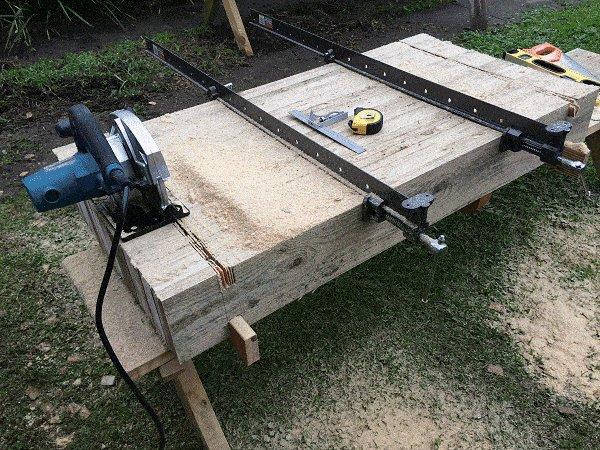 Interlocking Garden Bed Box : Cut the Opposing Trench