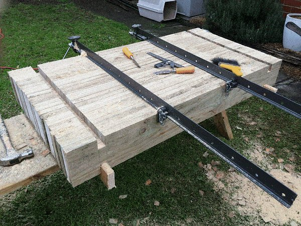 Interlocking Garden Bed Box : Clean Out the Opposing Trench