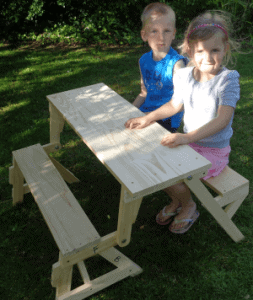 Kids' 2 in 1 Bench and Picnic Table : Picture