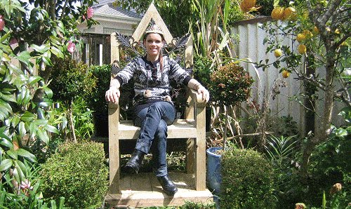 King Chair : Angela in a King Chair
