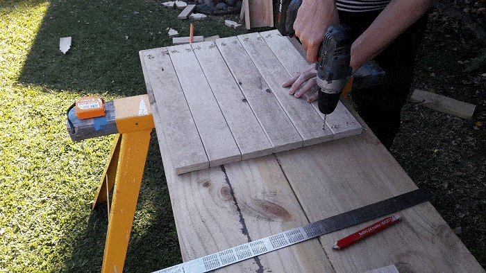 Kids Table and Bench : Drill Screw Holes Through the side Boards - Picture