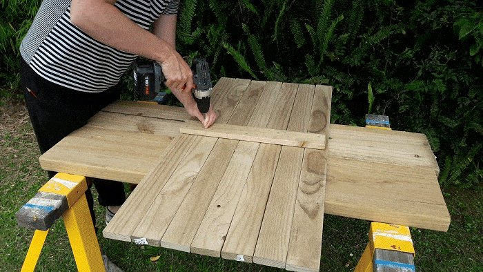 Kids Table and Bench : Prepare Table Top And Seat Top - Picture