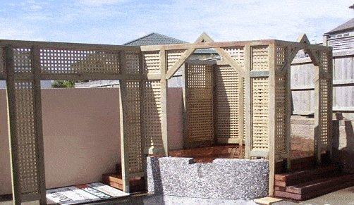 Walk-Thru Trellis (Lattice) Screen : Finished Deck Area