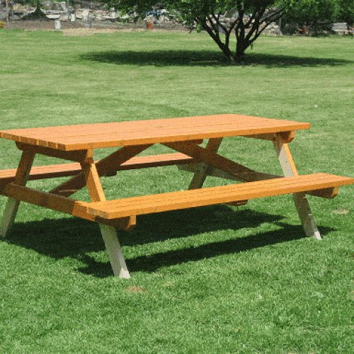 traditional-picnic-table-philipe-6-550x385